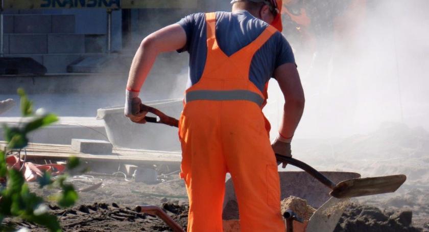 Potrzebny jest zakaz wymagania doświadczenia na szeregowe stanowiska pracy