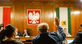 Kto skąd jest, polityczny nepotyzm i buraki. Sesja Rady Miasta Szczecinek