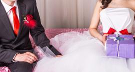 Zaskocz parę młodą: wyjątkowe prezenty ślubne