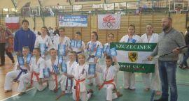 13 medali szczecineckich karateków